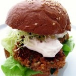 Quinoa falafeles vegetáriánus hamburger