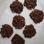 Vegán mogyoróvajas-csokoládés zabkeksz