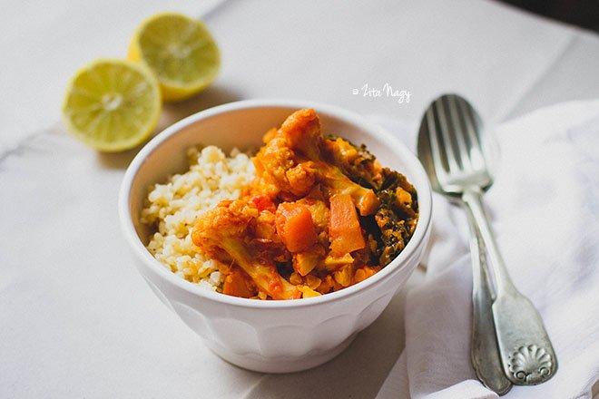 Karfiolos-sütőtökös vöröslencse curry (vegán)