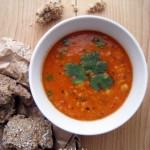 Vöröslencse-csicseriborsó-koriander leves (laktózmentes, gluténmentes, vegán)