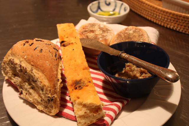 Dundi kenyér, lapos kenyér, cserépben sült kenyér