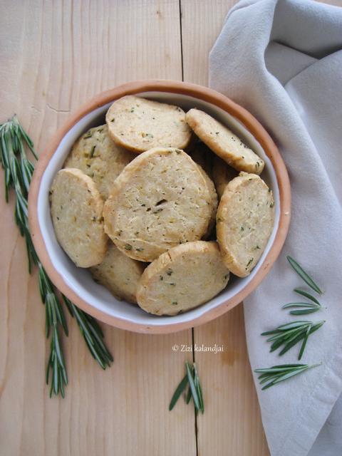 Citromos-rozmaringos vajas keksz