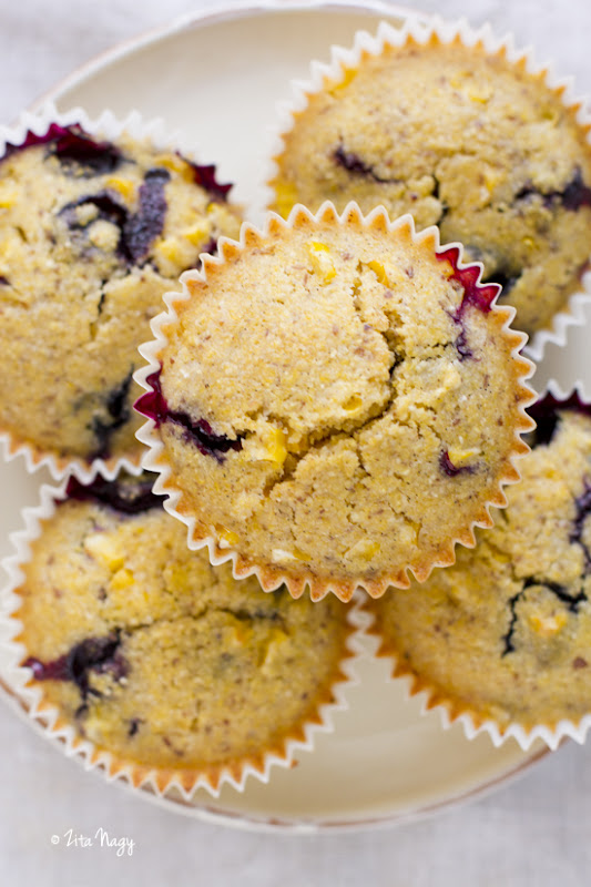 Vegán kukoricás áfonyás muffin