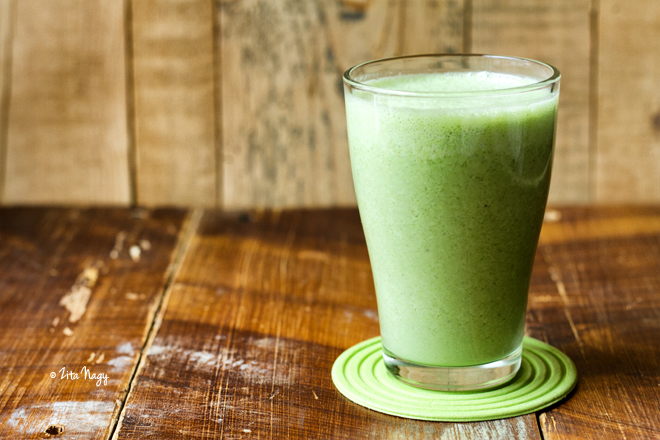Vegán banános zöld turmix + a negyedik hét cukor nélkül és a nyeremények