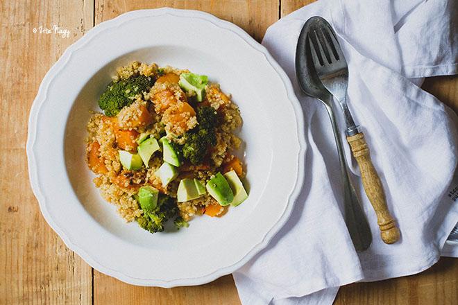 Sütőtökös-brokkolis quinoa saláta (vegán)