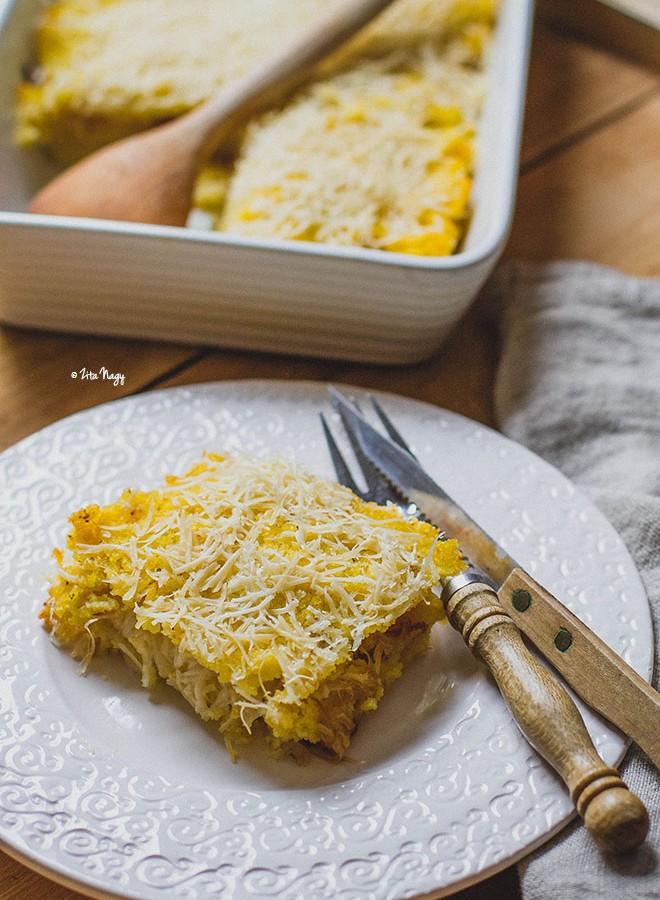 Karamellizált hagymás-sajtos sült polenta (vegán)