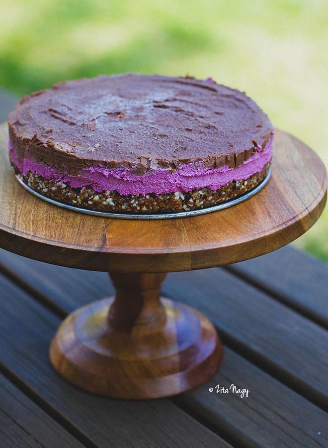 A harmadik születésnapi torta (nyers, laktózmentes, gluténmentes, vegán)