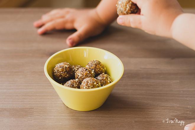 Mangós datolyagolyók (nyers, laktózmentes, gluténmentes, vegán)
