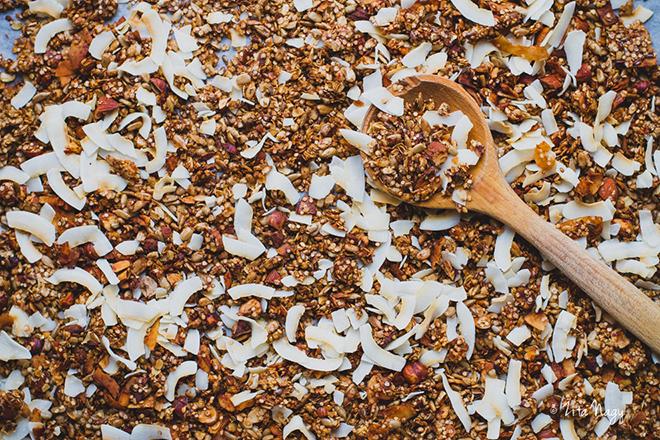 Fűszeres kókuszos quinoa pehely granola (laktózmentes, gluténmentes, vegán)