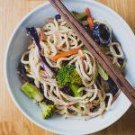 Villámgyors ázsiai zöldséges tészta