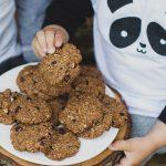 Törökmogyorós-csokoládés keksz (laktózmentes, vegán)
