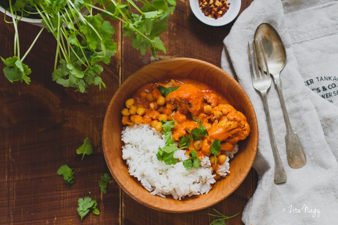 Korianderes karfiol curry (laktózmentes, gluténmentes, vegán)