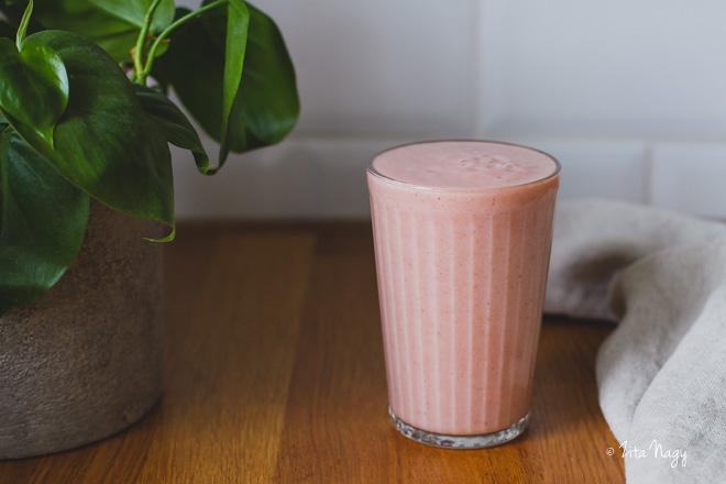Rózsaszín eper turmix  (laktózmentes, gluténmentes, vegán) – Turmix kihívás 6. nap